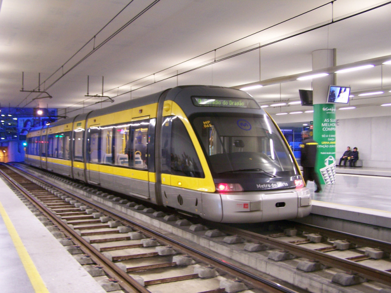 Metro ve stanici Trindade (zdroj: wikimedia.org)
