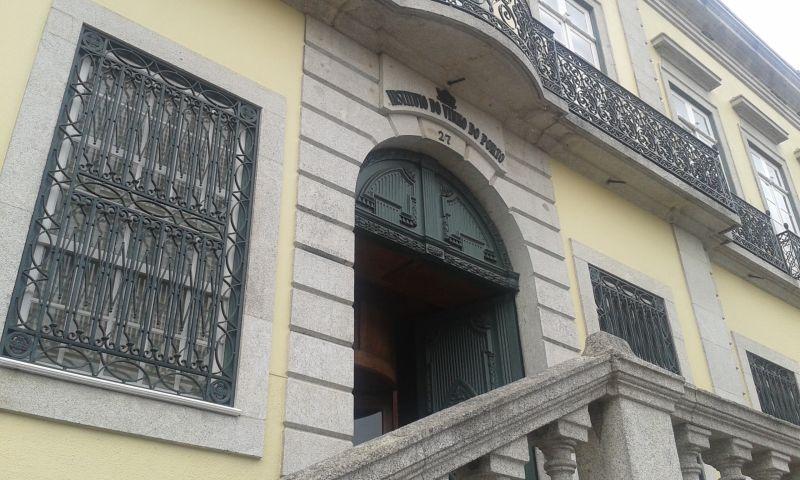 Instituto do Vinho do Porto. Zde sídlí nejvyšší orgán, který rozhoduje o portském víně.