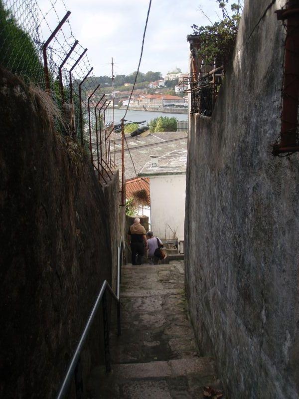 Uzoučké uličky ve Vila Nova de Gaia