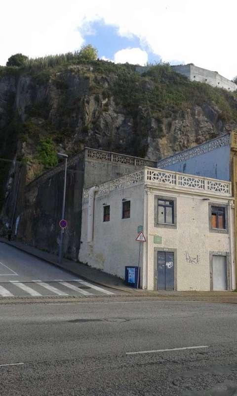 Porto - skály a kopce, rovinku siužijete jen na nábřeží