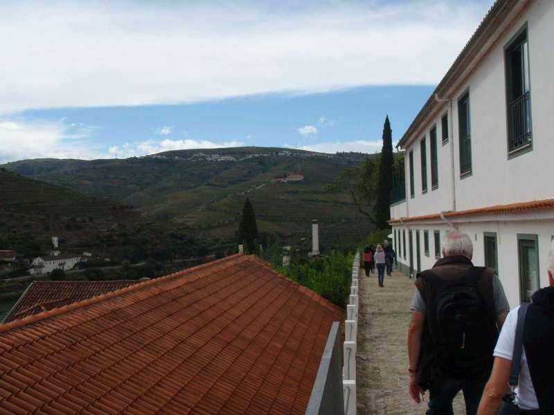 Na protějším kopci leží Quinta do Seixo