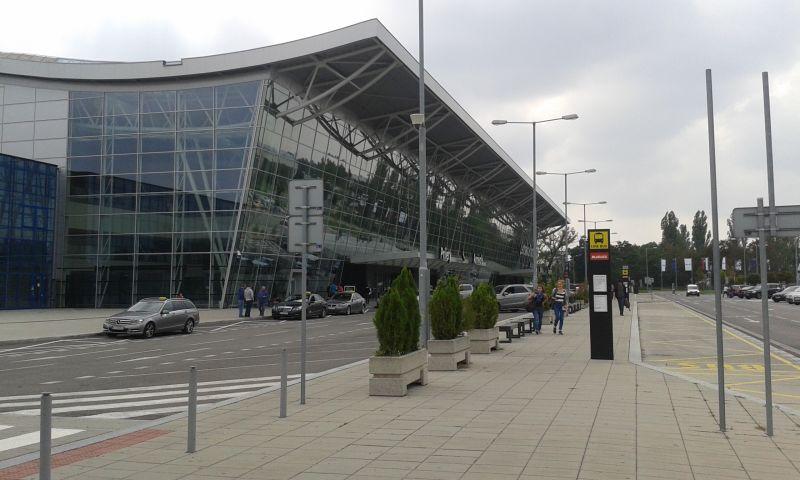 Budova mezinárodního letiště M. R. Štefánika v Bratislavě
