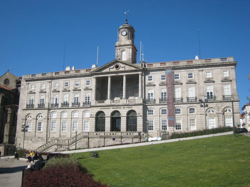Historická budova Palácio da Bolza v minulosti sloužila jako burza cenných papírů