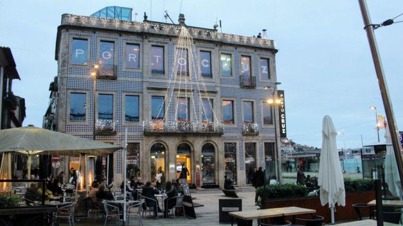Dům Porto Cruz v předvánoční výzdobě