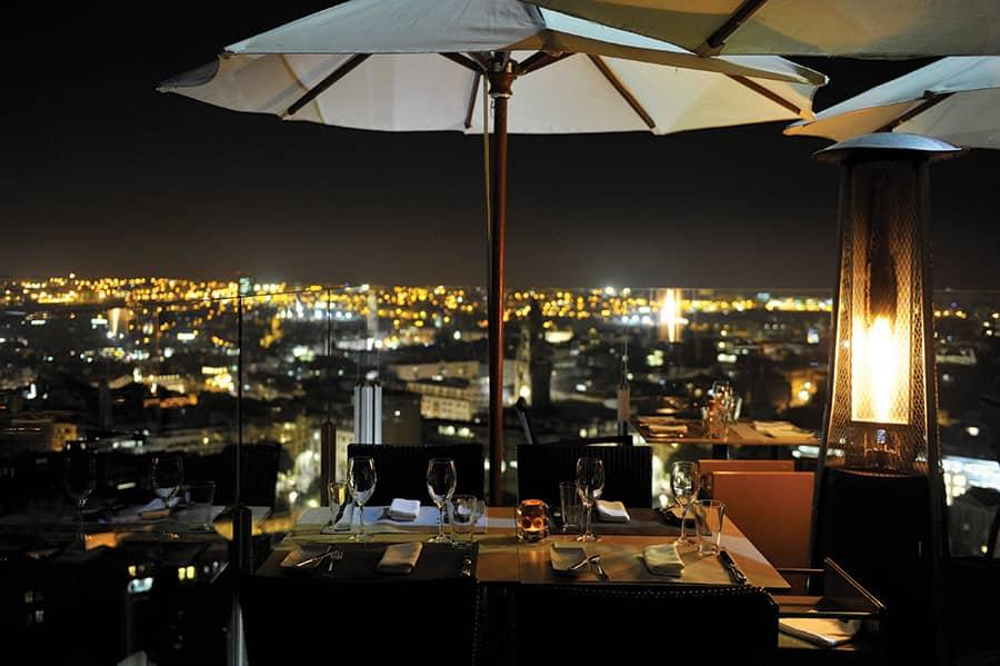 Co takhle zde strávit romantickou večeři s nádherným výhledem?