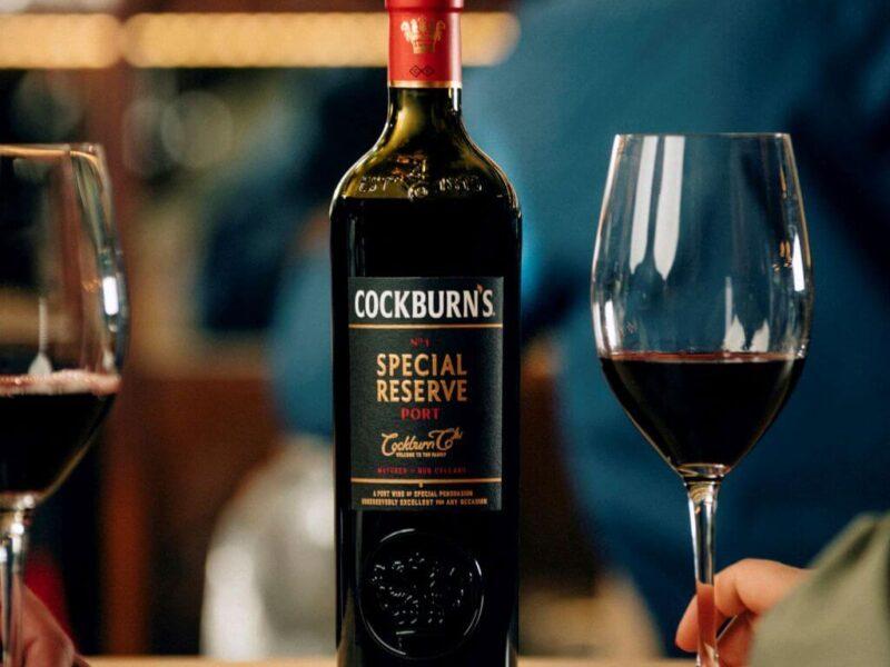 Některá portská vína Tawny Reserve se už svými vlastnostmi dokážou přiblížit i 10letým datovaným Tawny (zdroj: Cockburns.com)