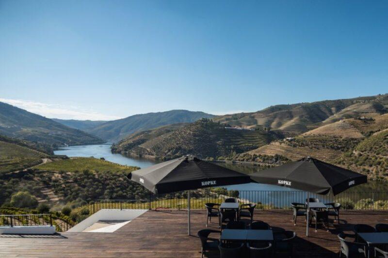 Vidíte se taky na této terase s pohárkem portského vína pozorujíc nádheru údolí Doura? (zdroj: Sogevinus)