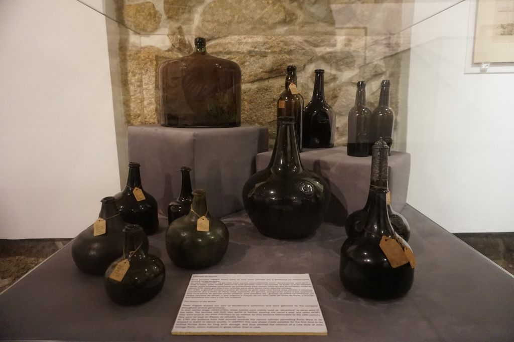 Historické láhve na portské víno