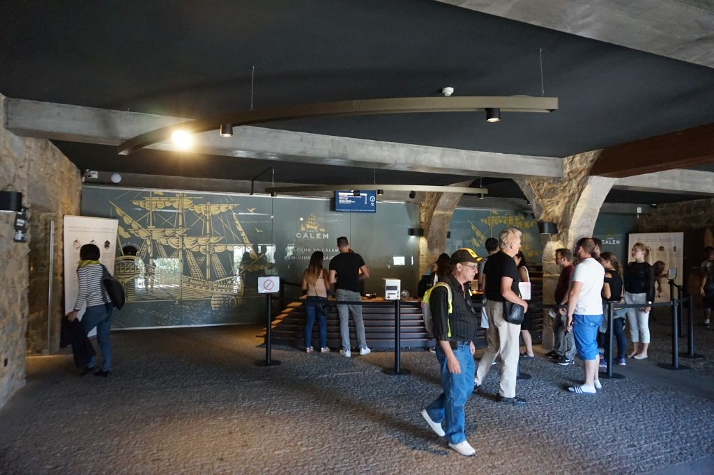 Recepce v caves Cálem ve Vila Nova de Gaia