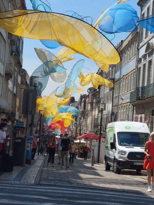 Na Rua de Santa Catarina se v Portu soustředí hlavně zarytí shoppaholici